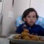 Video de niño vegetariano impacta en redes sociales
