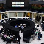 Baja la Bolsa Mexicana 0.65% por caída de América Móvil