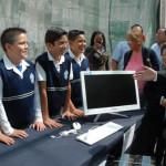 Entregan recursos y centro de computo del Programa Escuela Digna