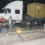 Ganan campesinos; abren carreteras (video)