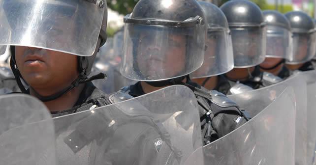 """Photo of Elementos de FSPE se van desarmados a sus casas y los radios """"no sirven"""""""