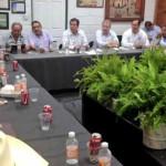 Miguel Márquez y campesinos acuerdan liberación de carreteras
