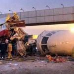 Mueren 52 pasajeros al estrellarse Boeing en Rusia