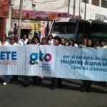 Marchan en Irapuato para exigir un alto a los feminicidios en Guanajuato