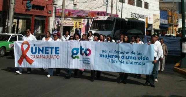 Photo of Marchan en Irapuato para exigir un alto a los feminicidios en Guanajuato