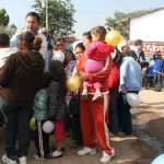 Entrega Sixto Zetina apoyos a comunidades