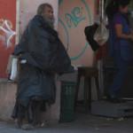"""""""El Señor de los Cartones""""; crónica de un indigente"""