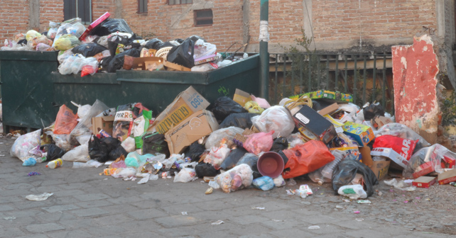 Photo of Guanajuato candil del centro, basura en las orillas
