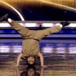 Baile de niño hindú causa furor en internet