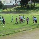 Polémico video: pleito en plena cancha de futbol