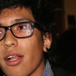 Impiden a joven manifestarse en entrega de la Presea Vasco de Quiroga