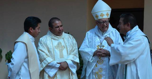 Photo of Cumple 15 años de sacerdote y lo celebra con misa