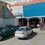 3 bomberos intoxicados en incendio de tienda en Pénjamo