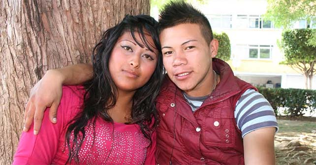 Photo of Sandra y Santiago flechados por Facebook