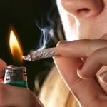 Encuentran a niños de primaria fumando marihuana