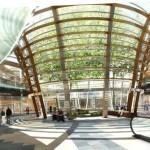 Plaza comercial subterránea: alcanza 35 metros de profundidad