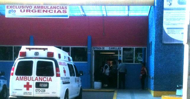 """Photo of """"Como una chingada"""" que no va a pasar: guardia del HG de Irapuato a familiar"""