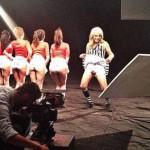 Cristian Castro se viste de mujer para un video de Genitallica