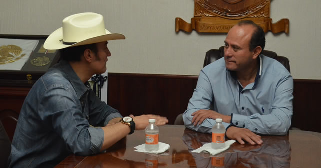 Photo of Bordos y títulos de reposición; charla entre Abel y delegado Conagua
