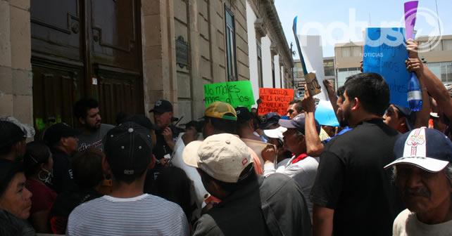 Photo of Trabajadores se manifiestan por clausura de recicladoras