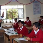 70 maestros tienen un sueldo más alto que el de Peña Nieto, reporta el IMCO