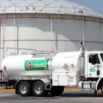 """La PGR detiene a 4 empleados de Pemex que """"ordeñaban"""" un ducto en Celaya"""