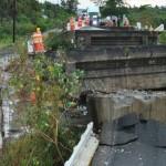 Colapsa puente de Tecpan por sismo de 6.4 grados Richter