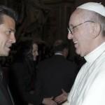 Peña Nieto regala al Papa camiseta de la Selección y figura de la Virgen de Guadalupe