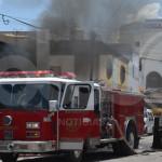 Incendio en taller deja una persona lesionada y estudiantes evacuados