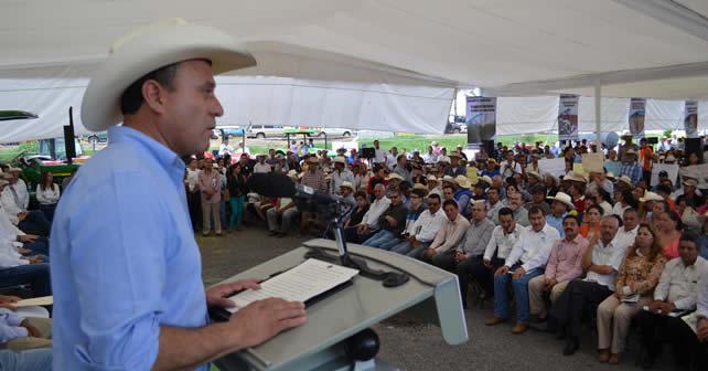 Photo of En Abasolo se entregan más de 50 MDP para el sector rural