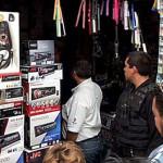 """""""Sorprende"""" operativo del SAT en Plaza del Comercio"""