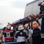 """Dos muertos y 10 lesionados en par de accidentes """"contiguos"""""""