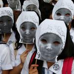 Escapan 63 niñas secuestradas en Nigeria