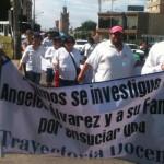 """Marchan padres de familia en apoyo a la maestra Karla: """"Exigimos justicia"""""""