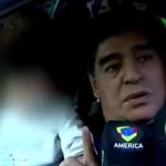"""Maradona se """"encabrita"""" y cachetea a reportero por """"coqueto"""" (video)"""