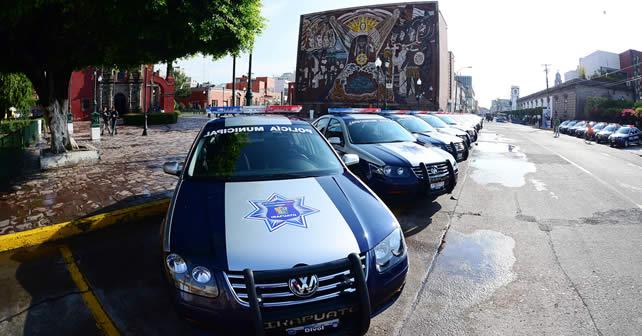 Photo of Entrega alcalde 50 nuevas patrullas