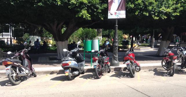 Photo of Roban motocicleta a la vista de la policía municipal