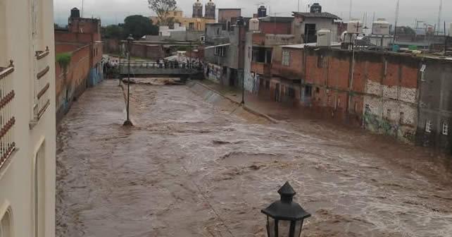 """Photo of Entre """"rojo"""" y buenas noches: río Huáscato en """"el olvido"""""""
