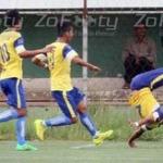 Muere futbolista al festejar gol