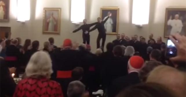 sacerdotes bailarines