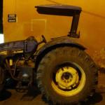 Recuperan tractor robado en Abasolo; paseaban por el centro