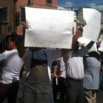 Comerciantes se manifiestan por inseguridad y bloquean avenidas
