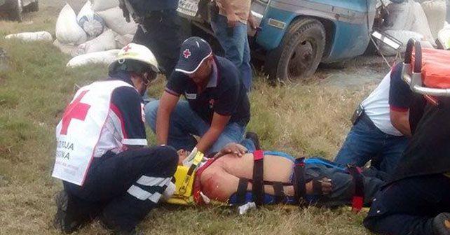 Photo of Accidente en Pénjamo deja tres personas fallecidas y 29 lesionados
