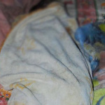 Bebé ingiere mamila con cloro y cal; madre del menor es investigada