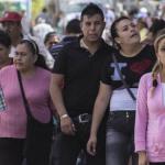 Miles de personas visitan a familiares en Panteón Municipal