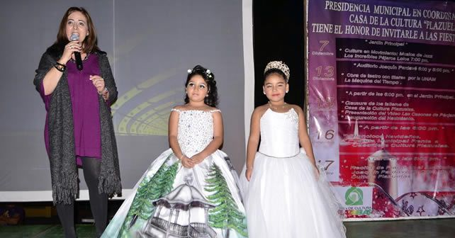 002 DIRECTORA REGINA MUu00D1OZ GARCu00CDA & REINITAS DE CASA DE CULTURA