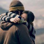 Abrazos disminuyen el estrés: Estudio