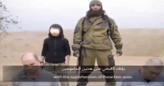 """Photo of Niño ejecuta a """"espías"""" rusos; investigan (Video)"""