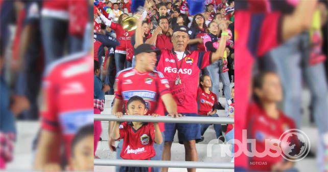 Photo of Clásico de antaño hizo vibrar al Sergio León Chávez