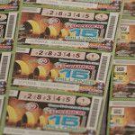 Detiene a hombre de 66 años por intentar cobrar billete de lotería falso